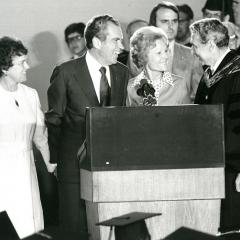 Nixon gives commencement address