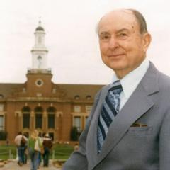 Library named in honor of Edmon Low